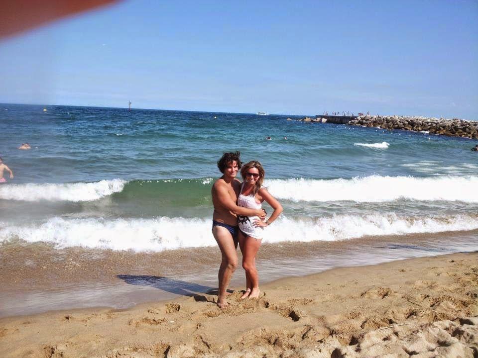 Omar Hug And Sunshine Smiles Playa De La Marbella Barcelona