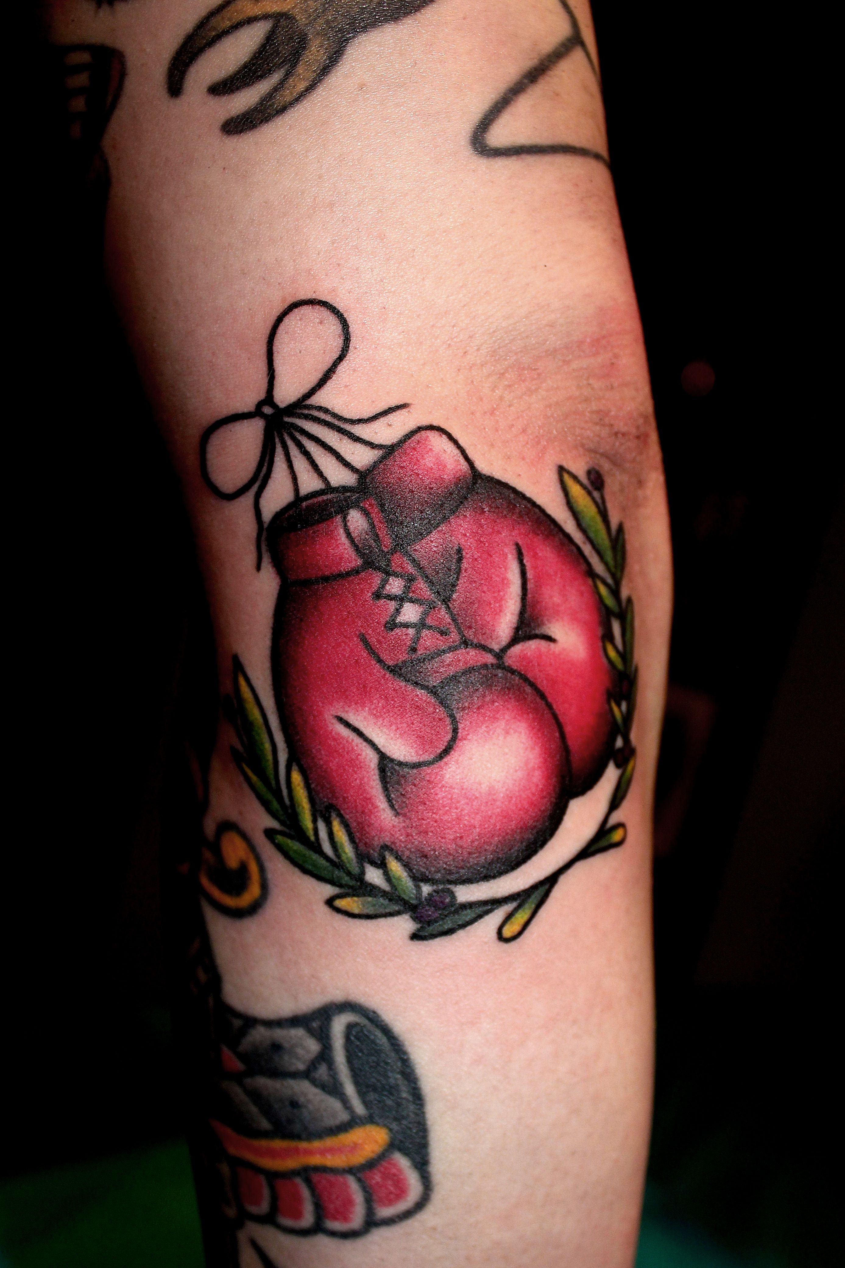 Tattoo old school femme galerie tatouage - Tatouage ecriture arabe ...
