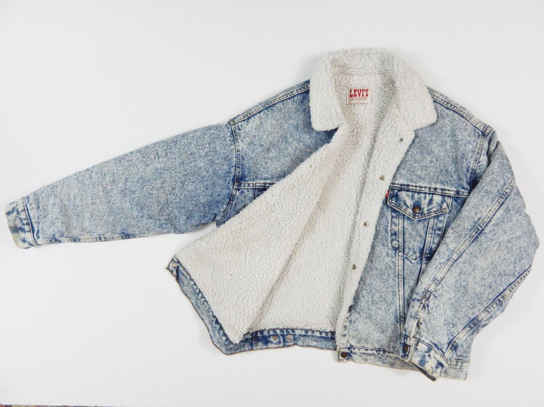 d746045b4da8 90s LEVIS sherpa lined trucker jacket acid wash denim jacket coat women men  vintage by GLITTERSTREET on Etsy