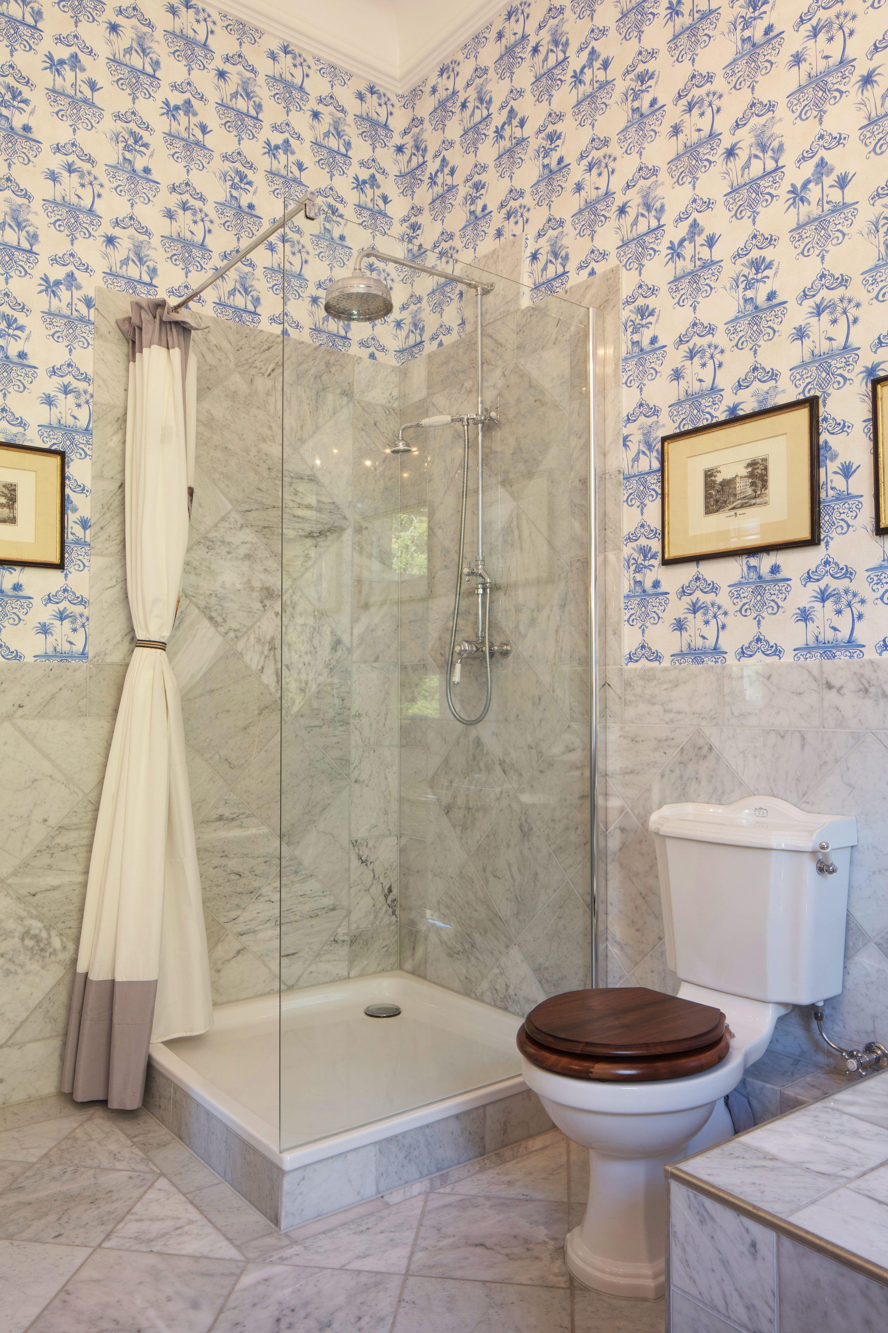 Bezaubernd schöne Nostalgie Dusche von Traditional