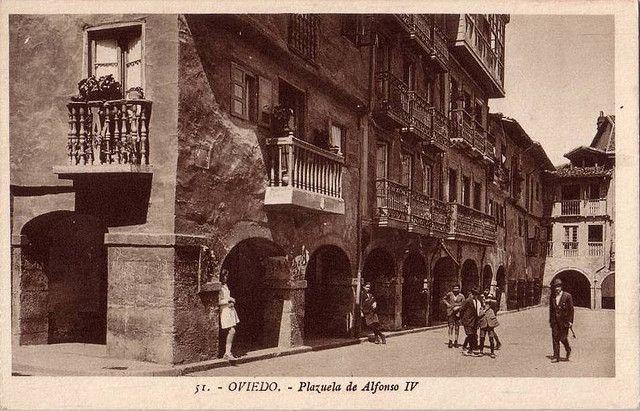 Plazuela de Alfonso IV Oviedo