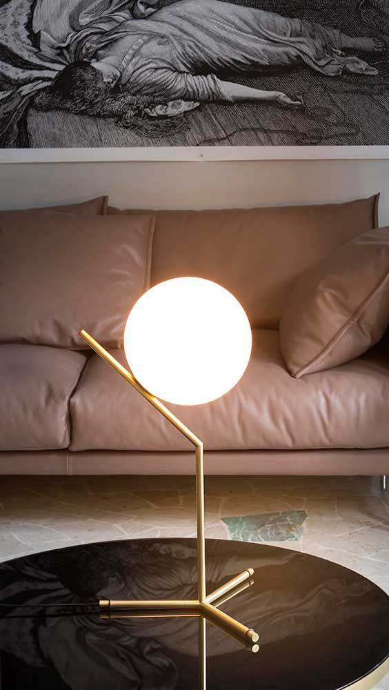 Flos IC Table Lamp. Designed by Michael Anastassiades.