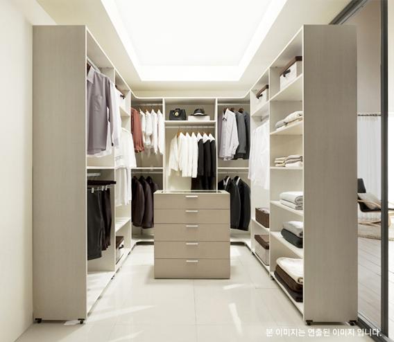 dress room -rivart