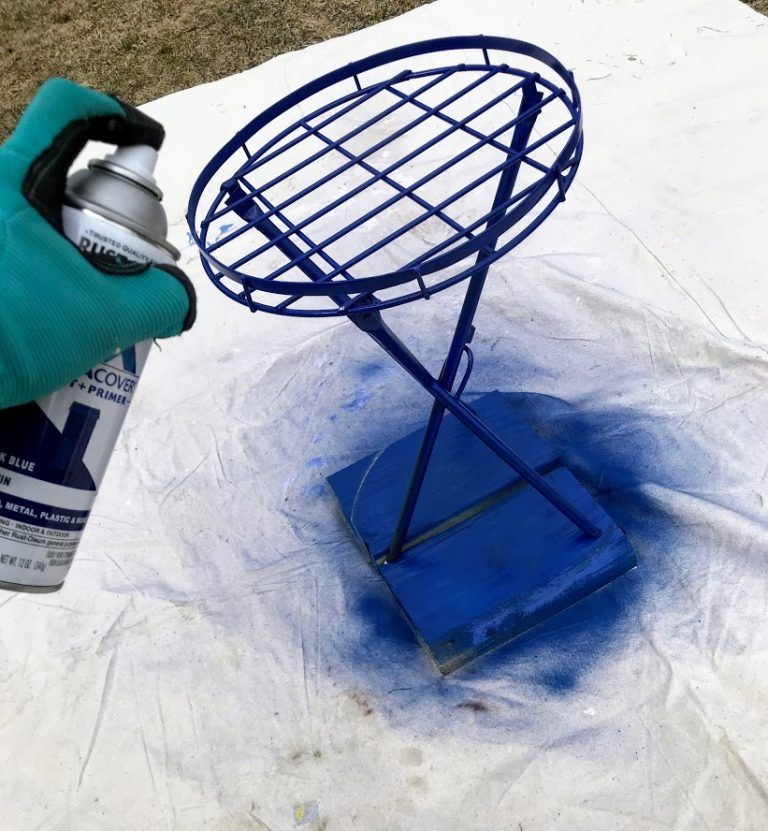 How to rejuvenate faded metal outdoor furniture using rust