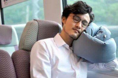 Huzi Infinity Pillow Versatile Soft