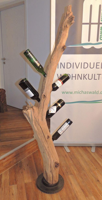 Photo of Aus einem Altholz, gefunden im Westerwald, wurde dieses schmucke Weinregal, das …