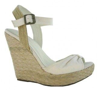 663d343b MARYPAZ zapato tipo sandalia de cuña y plataforma de esparto con hebilla en  loneta de color blanco de Fashion en MARYPAZ