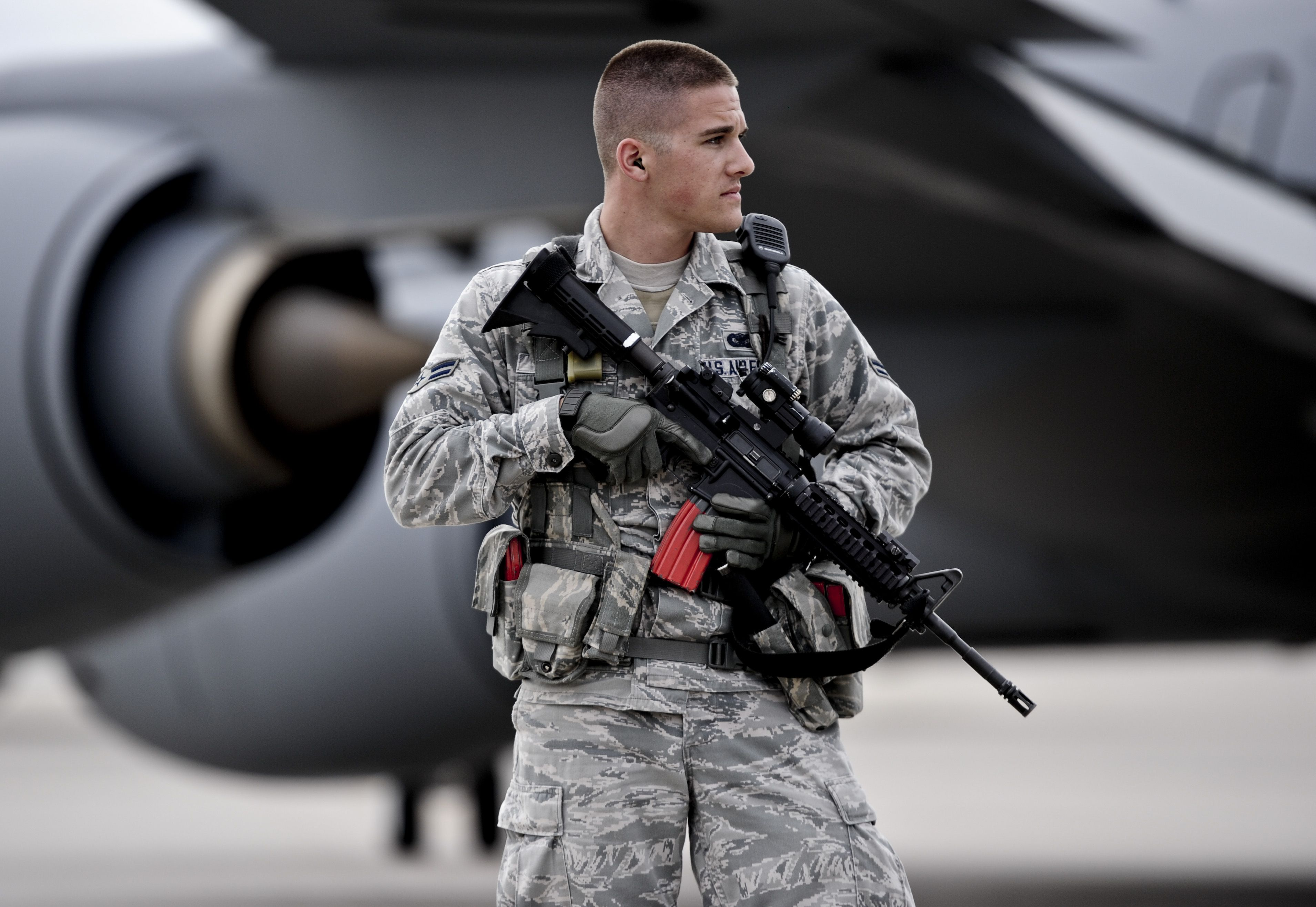 Airman 1st Class Eric Windler 22nd Security Forces Squadron Entry Controller Patrols The Flightline During A Ba Military Heroes Airman United States Military