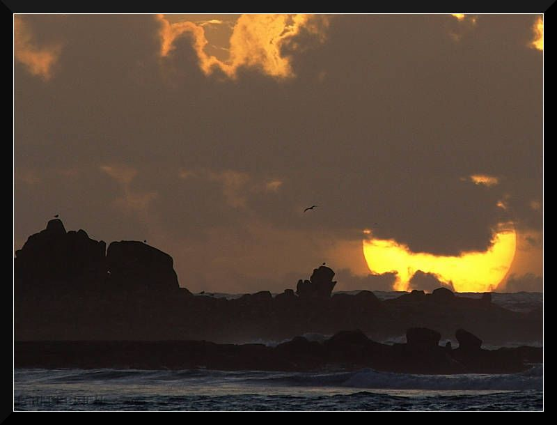 en fin de journée à Penmarc'h #Bretagne #Finistere © Paul Kerrien  http://toilapol.net