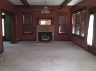 Zestimate® Home ValueZestimate® Home Value: $187,983. Older stately home. Lots of potential but needs a little TLC. Large lot on corner.
