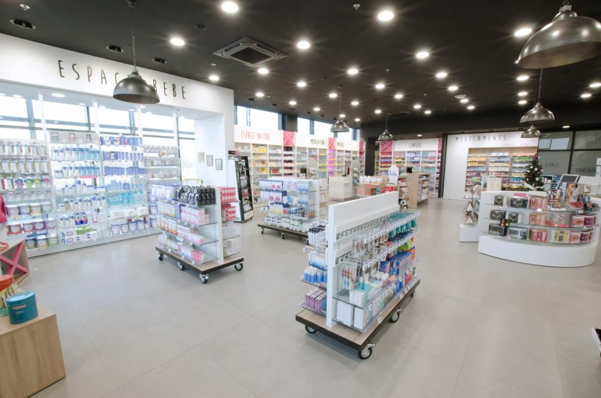 Salon Pharmacie Pharmacie Atlantique Cap Agencement Exhibit Design 4 En