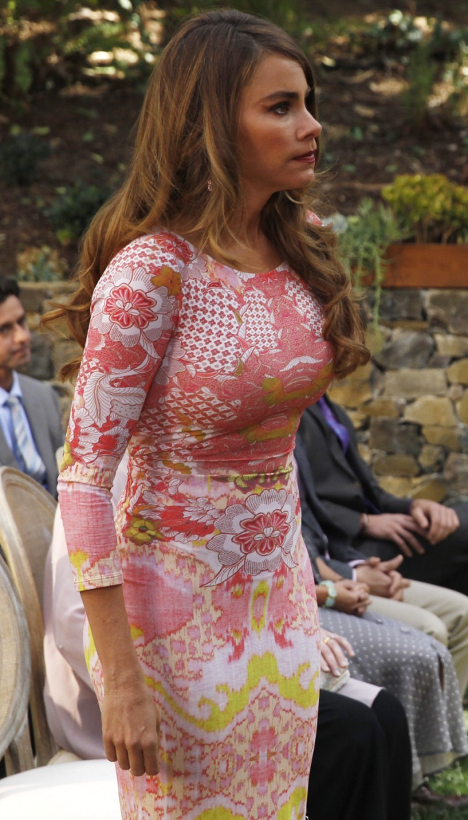 Sofia Vergara As Gloria Pritchett In Modernfamily Season 1 Sofia Vergara Style Sofia Vergara Gloria