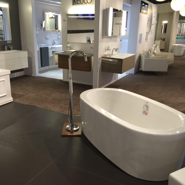 Studio 41 3160 Skokie Valley Road Highland Park Il 60035 847 266 1900 Www Shopstudio41 Com Jasoninternational For Bath Fixtures Kitchen Fixtures Cabinetry