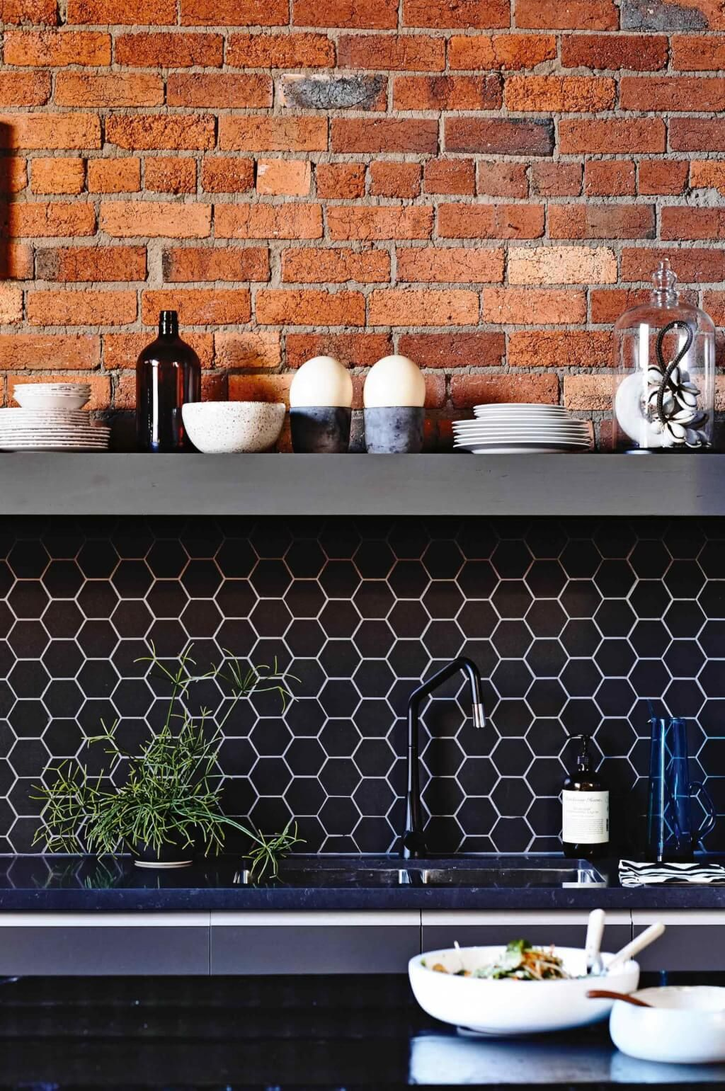 The Difference Grout Color Can Make To Your Tiles Emily Henderson Kitchen Splashback Black Backsplash Black Hexagon Tile