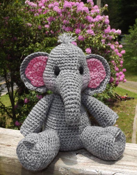 Baby Elephant Amigurumi Crochet Pattern PDF door LisaJestesDesigns ...