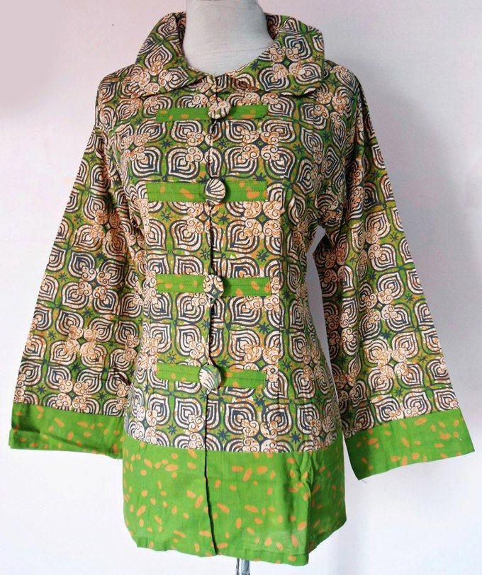 1970s batik blouse  Vintage hippie top  70s bell by melsvanity