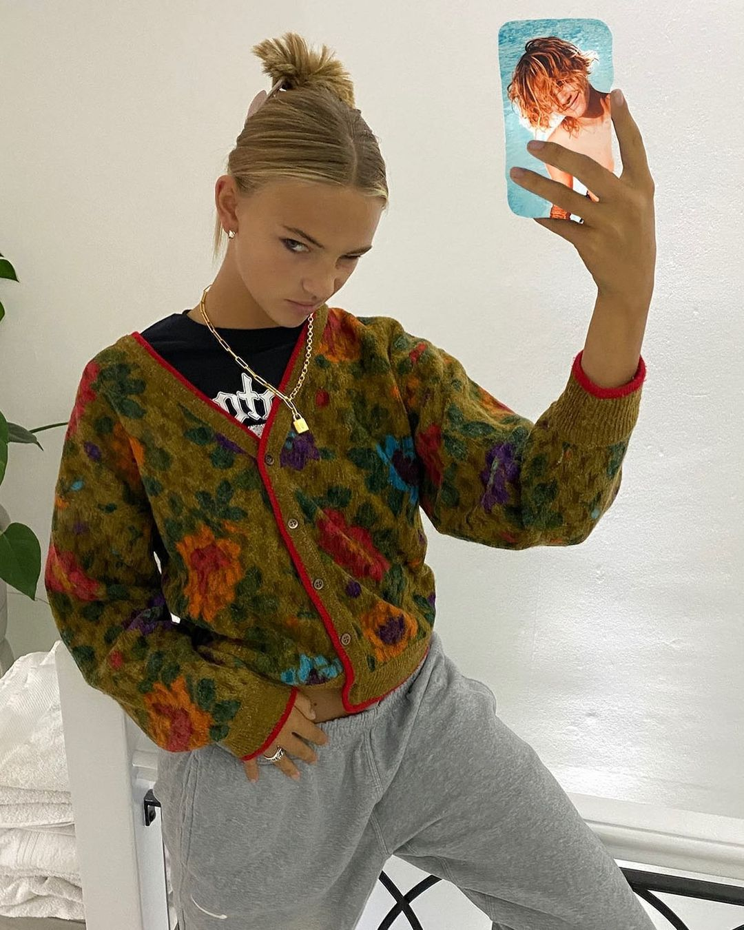 Mia Regan On Instagram Like My New Phone Case In 2021 Fashion Inspo Outfits Style Fashion