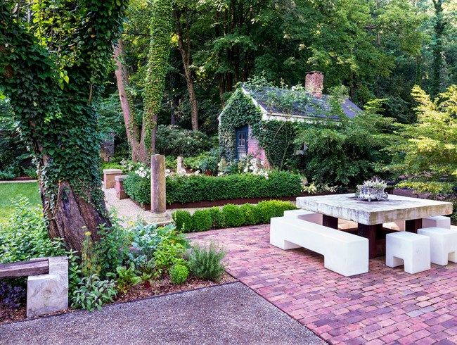 A Garden Design Trend For 2017: Mixing Old And New! See Expert Advice On
