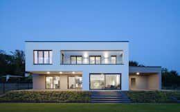 sch nes einfamilienhaus mit bestnote pinterest minimalistisches haus innenarchitektur und. Black Bedroom Furniture Sets. Home Design Ideas