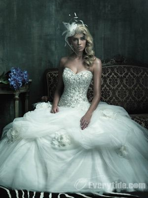 Gorgeous Ball Gown Sweetheart Floor-length Cathedral Train Organza ...