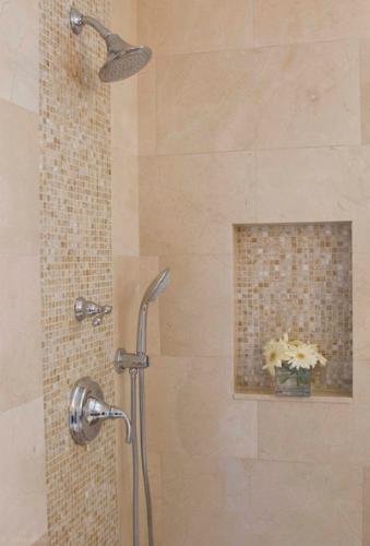 Lovely *chris Fave If In Lighter Gray* Bathroom Decor Ideas: Awesome Shower Tile  Ideas Make Perfect Bathroom Designs Always : Minimalist Bathroom Metalic  Head ...