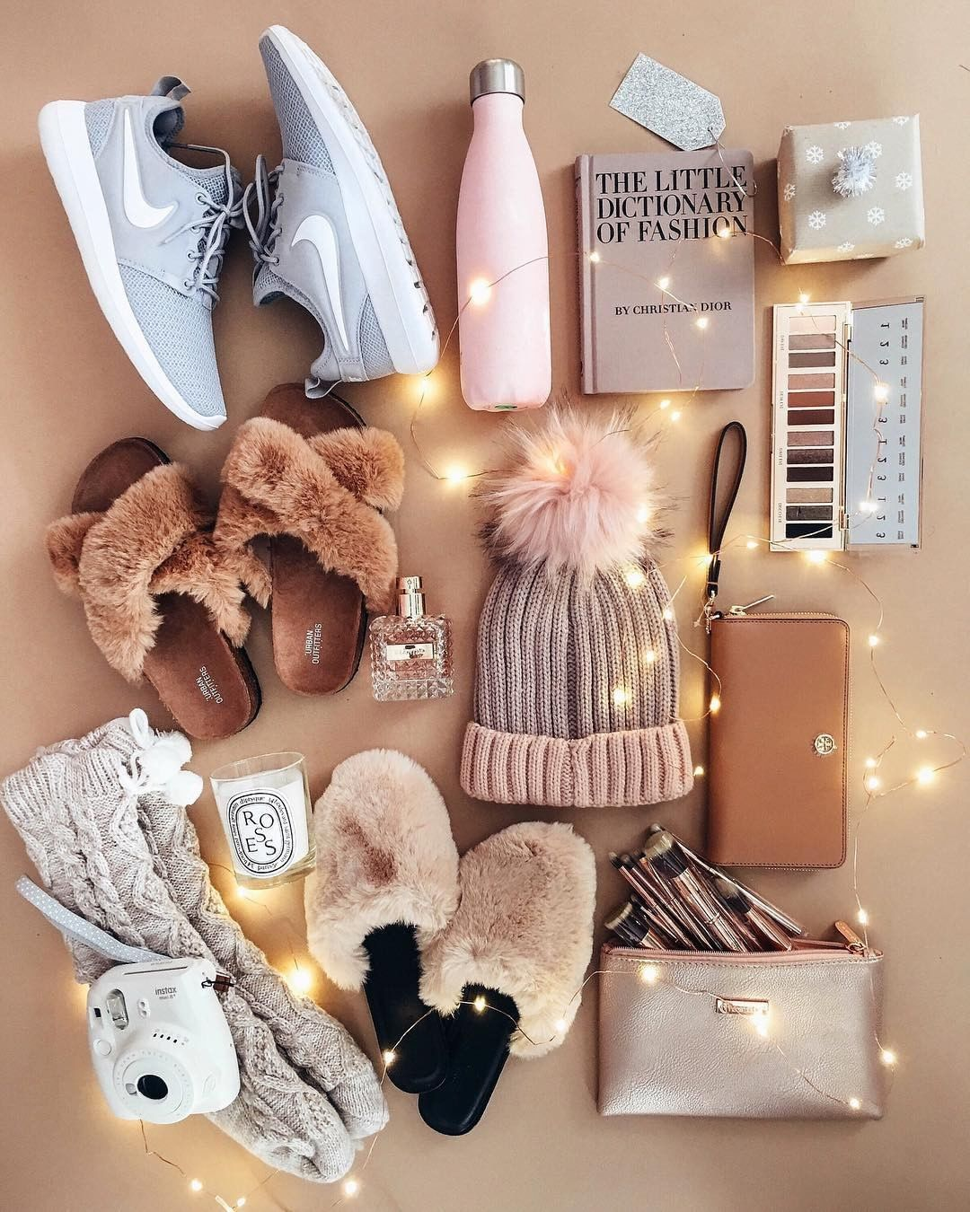 "LIKEtoKNOW.it on Instagram: ""Add some sparkle to your #LTKholidaywishlist with @jessi_afshin's seasonal must-haves and download the LIKEtoKNOW.it app to instantly…"" 1"