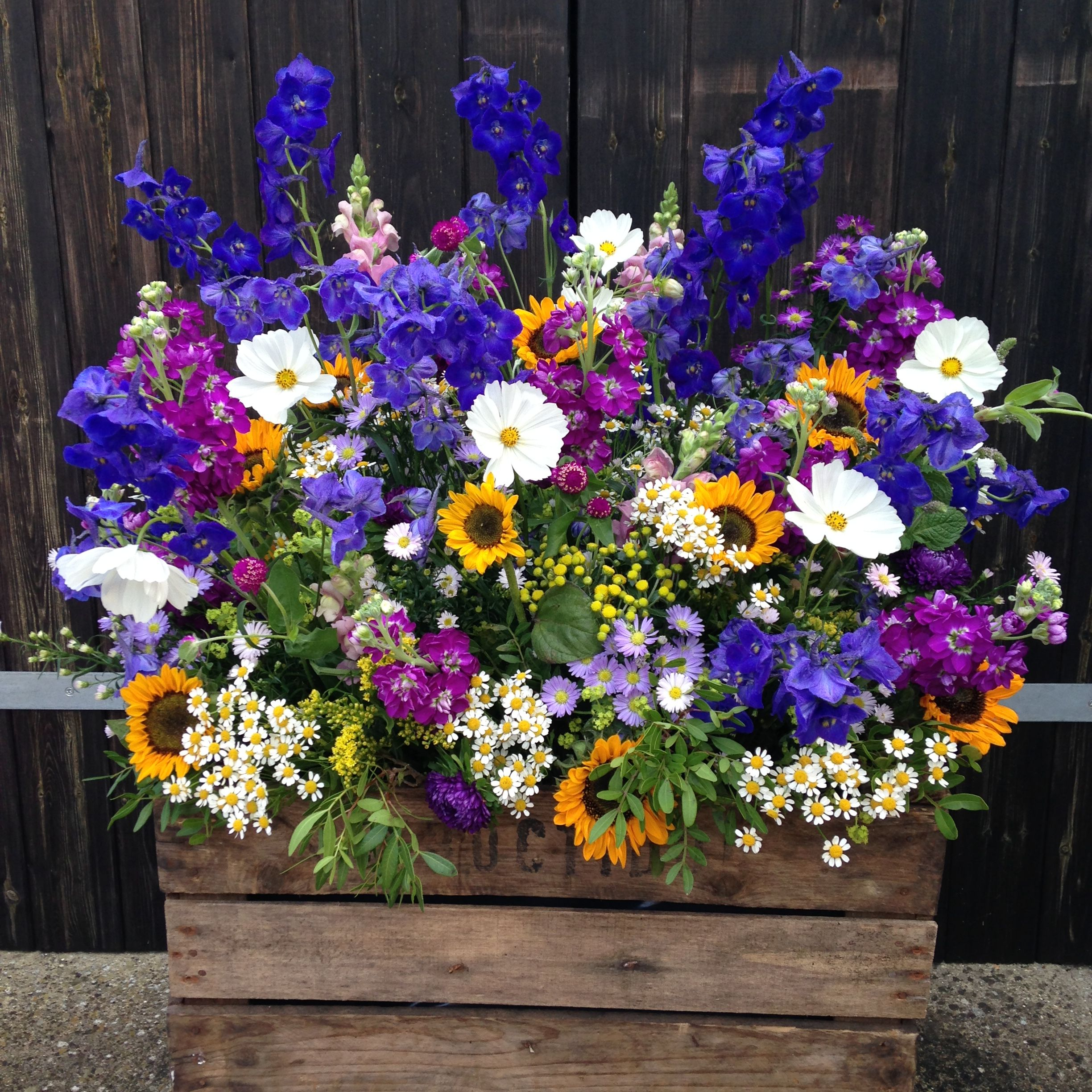 Photo of Summery meadow crate www.rose-cottage-…