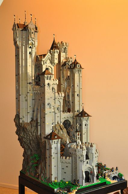 The most awesome lego castle I have witnessed in my entire life!