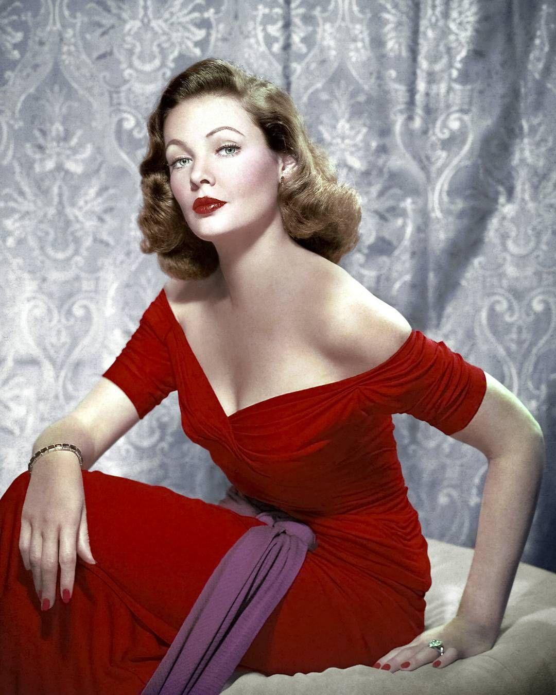 Glamorous Evening Dresses 1940s