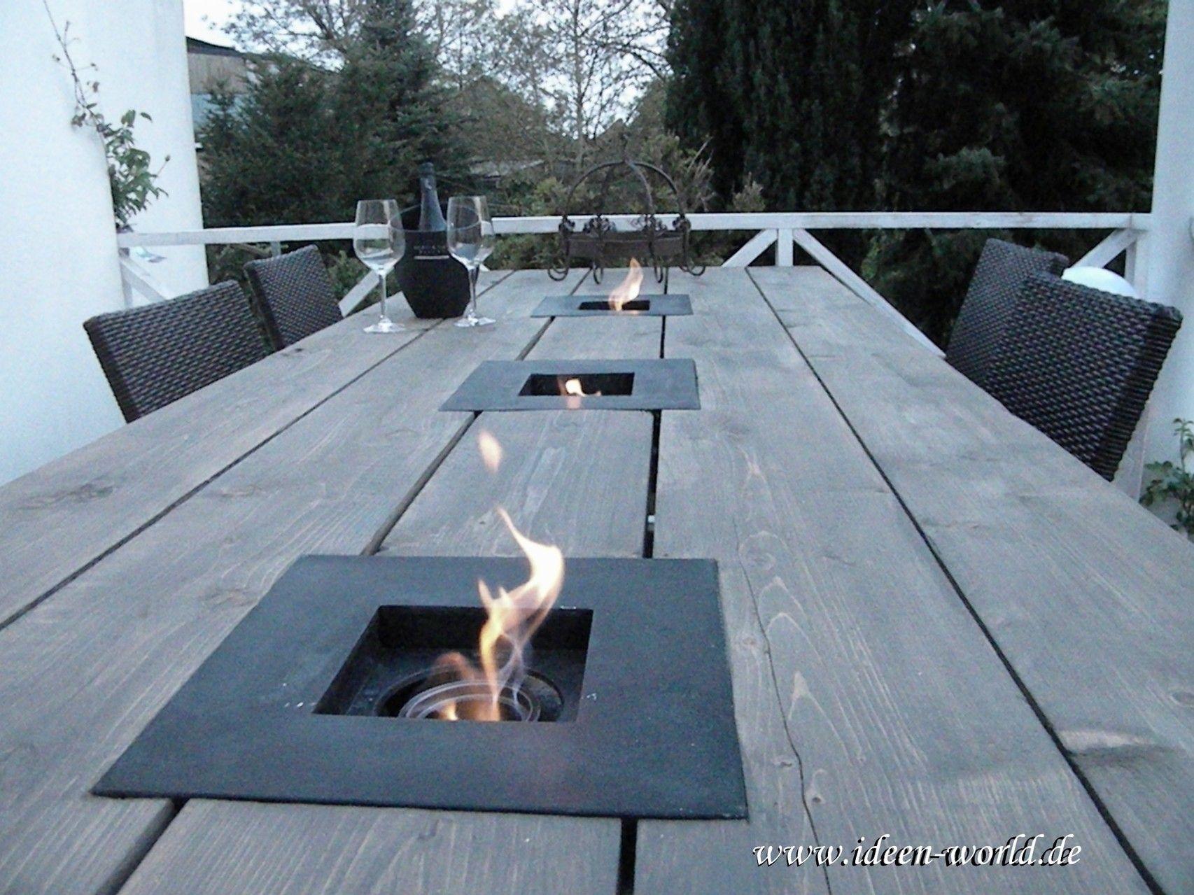Charmant Gartenmöbel ,Gartentich ,Tisch Mit Feuerstelle, Individuelle Loungemöbel  ,einzigatige Lampen,besondere Deko