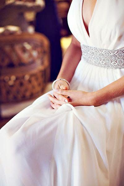 DIY   comment créer une ceinture en strass pour sa robe de mariée ... 73df54e6e32