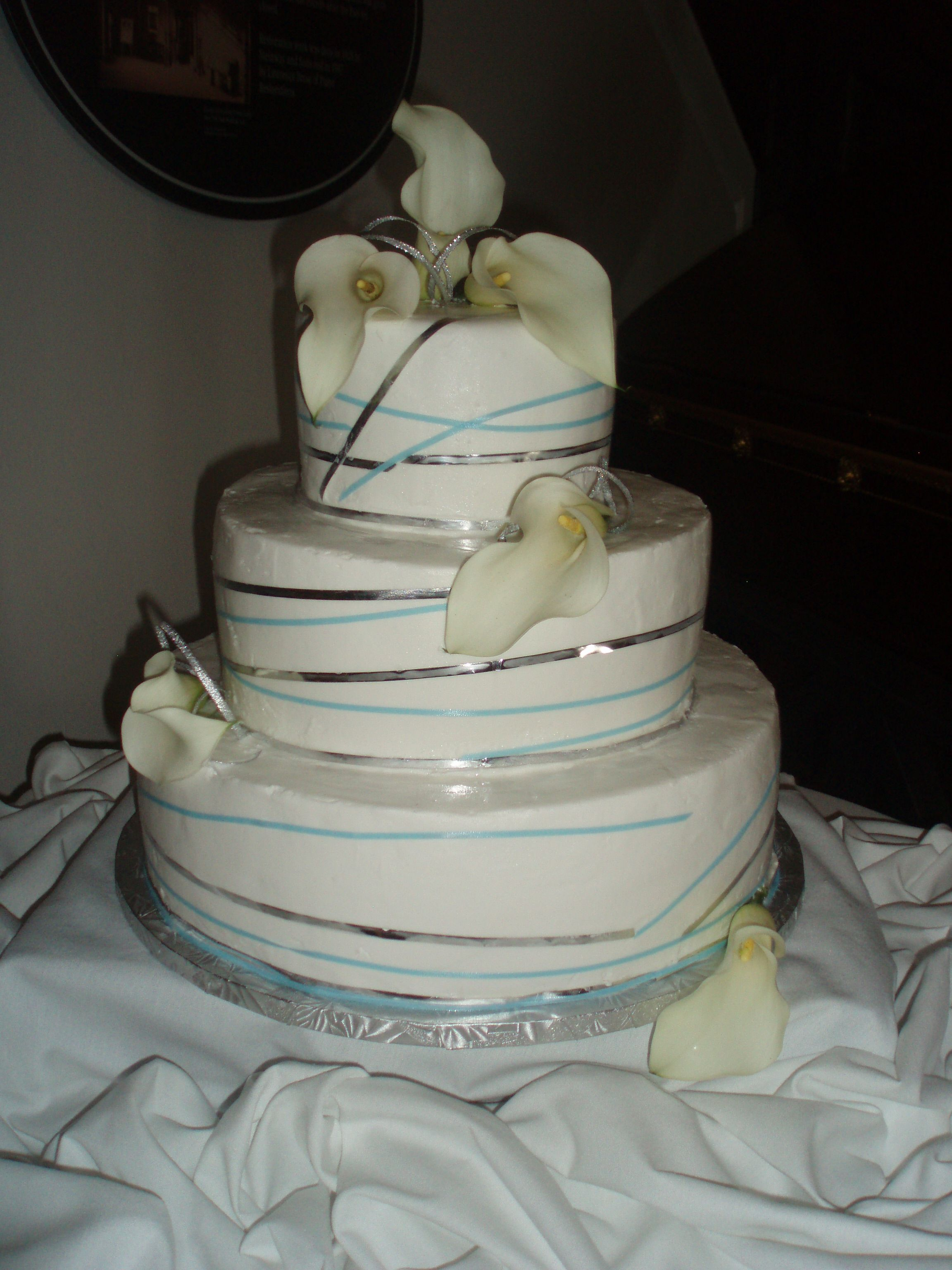 We Do Wedding Cakes Call Caramici S Bakery For A Consultation Today 1501 Hertel Ave Buffalo Ny 716 874 2253 Www Caramicisbakery Weddingcake