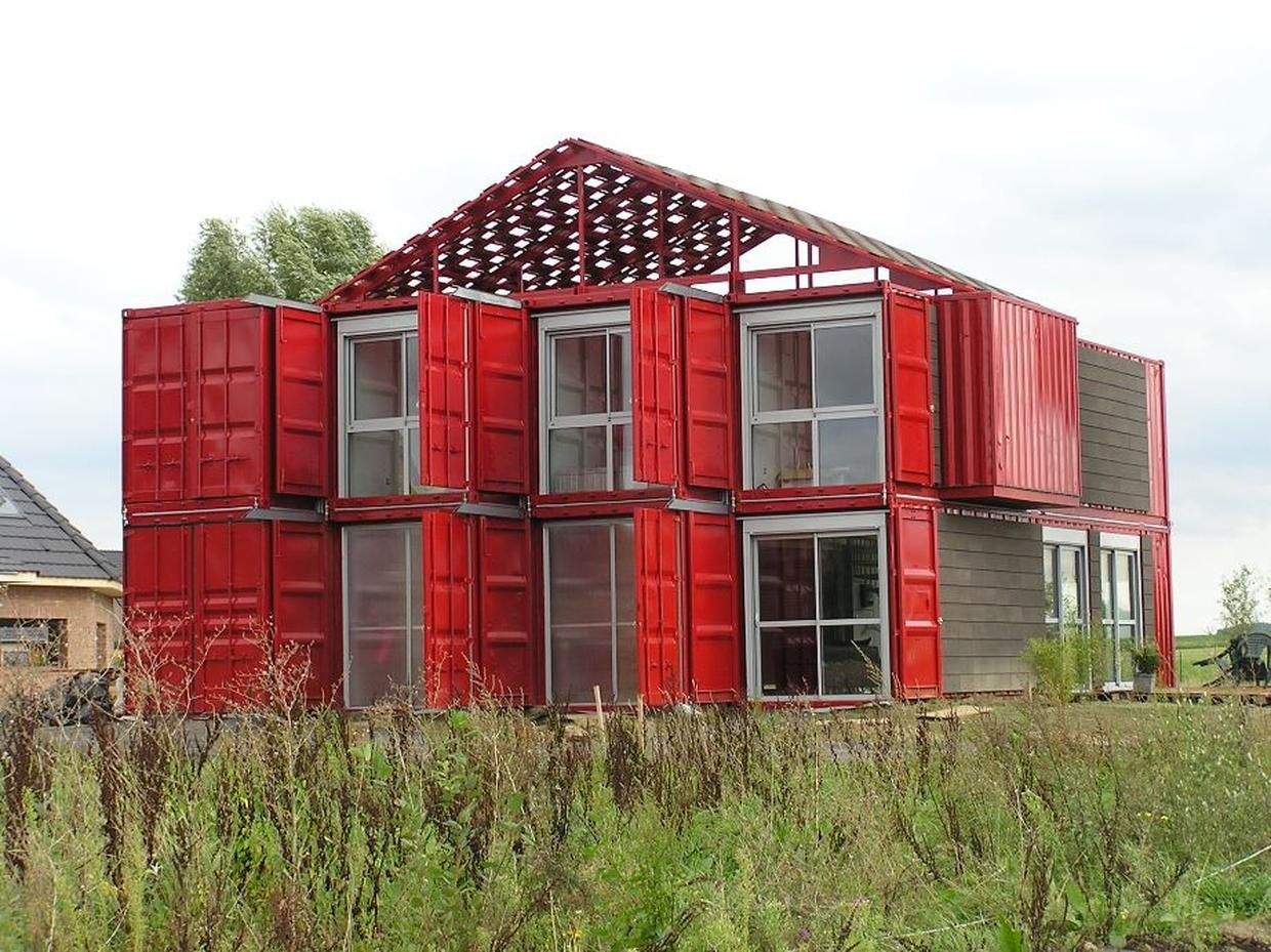 7 homes built with shipping containers container for Architecte maison container