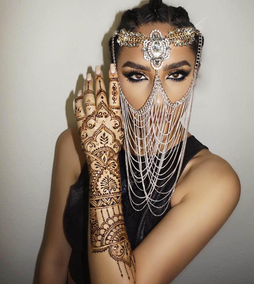 """Photo of Ash K Holm on Instagram: """"Let the day kill ??? Photography @theprinceofpersia ? My henna was made by the famous henna artist @gloryofhenna ?? Headpiece of my …"""""""
