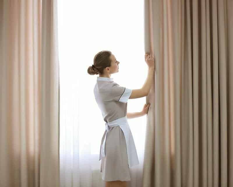 cleaning curtains cleaning blinds