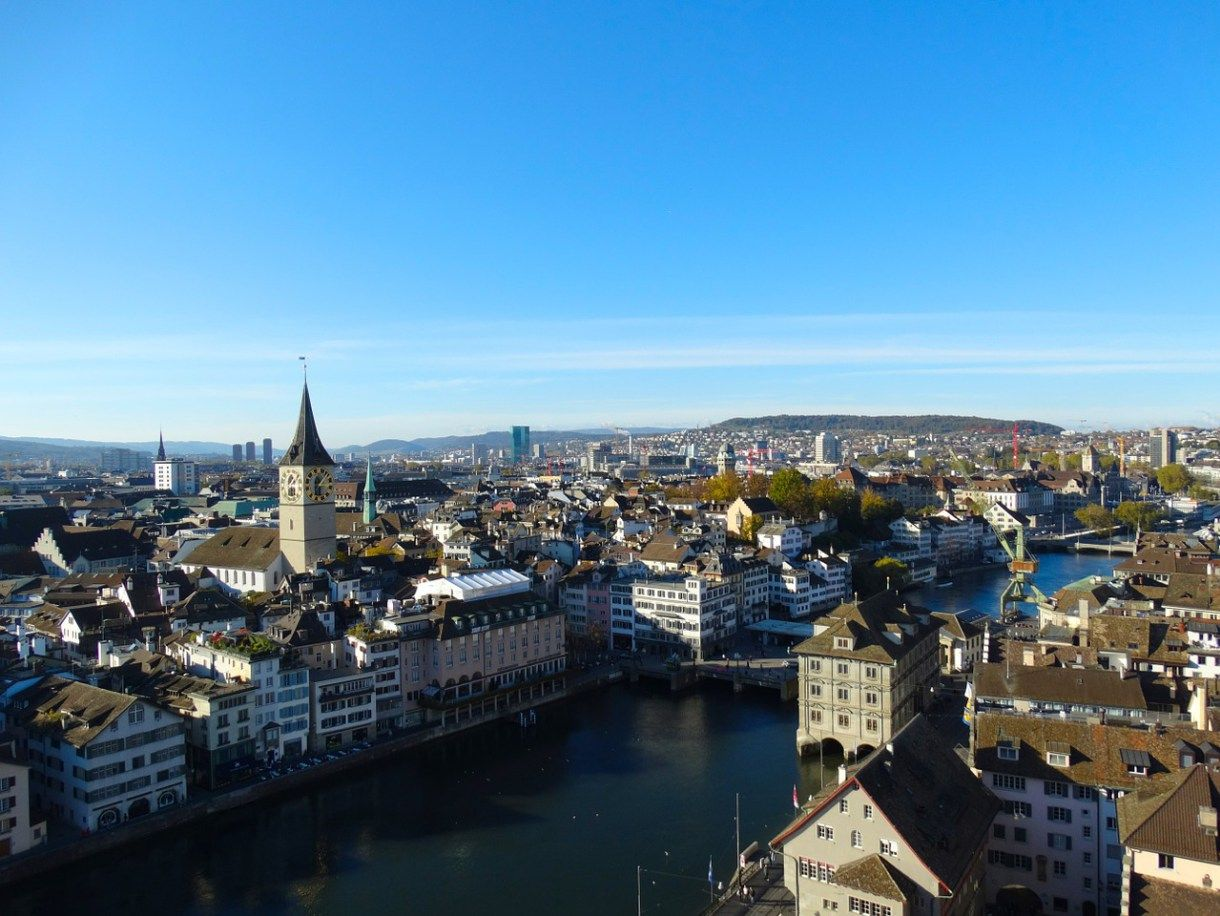 Beautiful European Cities With Halal Food For Great Muslim Holidays Zurich Places To Visit Zurich Old Town