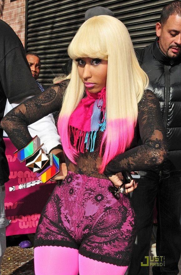 Nicki Minaj Platinum Blonde Hair Nicki Minaj Hairstyles Hair Beauty