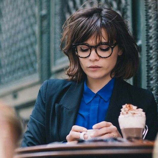 French Chic Bob Glasses French Hair Hair Styles Short Hair Styles