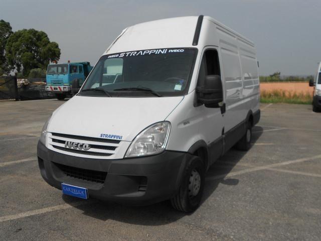 Iveco Daily 35s12 Furgone Di Serie A 13 000 Euro Transporter
