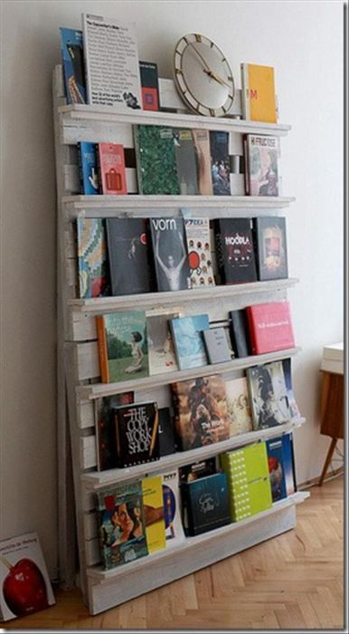 Angled pallet bookshelf do it yourself pinterest pallets recycled wood pallet book shelf what a fantastic way to make a bookshelfd inexpensive find this pin and more on do it yourself solutioingenieria Images