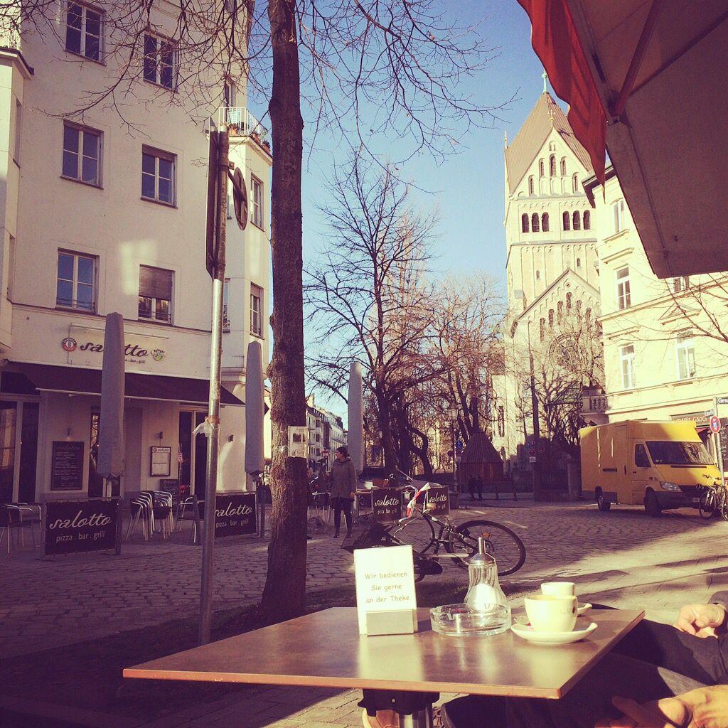 #frühlingsgefühle während einer sonnigen Kaffeepause im Lehel #wowillstduwohnen #lireco #lehel
