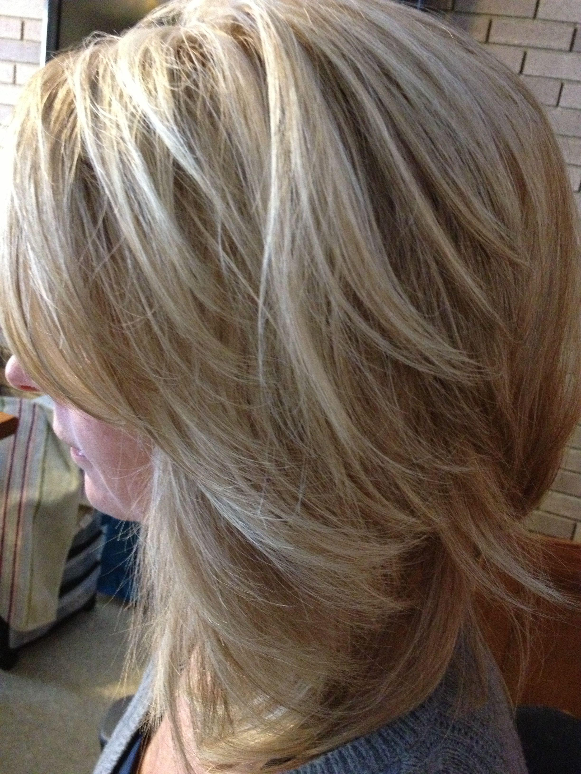 Light Blonde Base With Golden Beige Level 8 Lowlights Light Blonde Hair Blonde