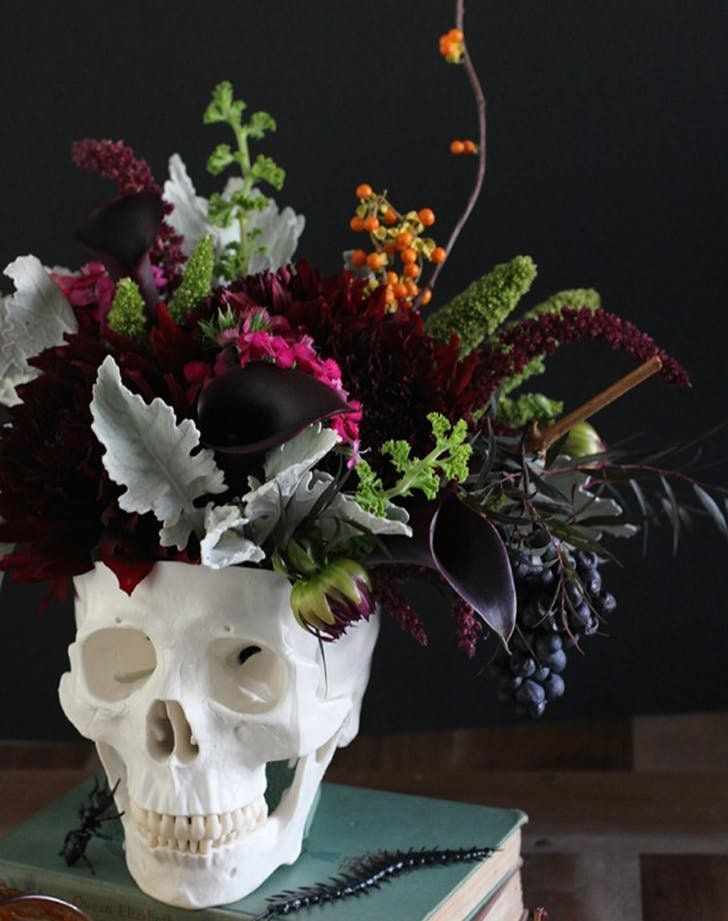 11 Surprisingly Chic Halloween Decor Ideas Floral centerpieces - halloween office decorating ideas