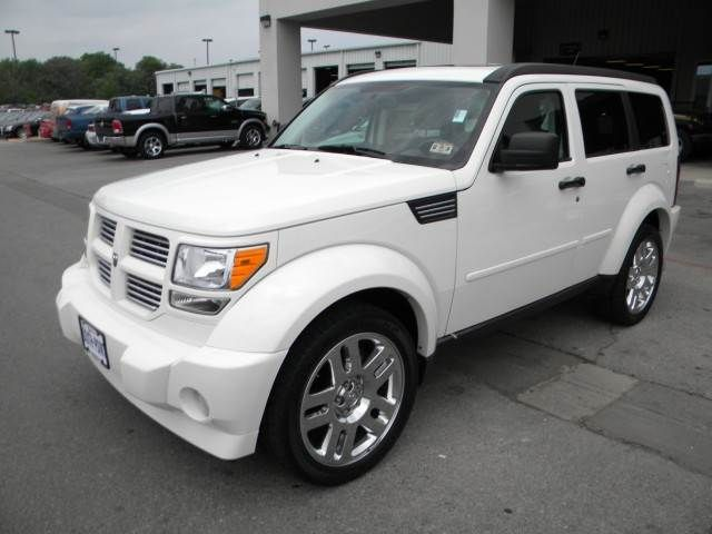 Pin By Kathy Landwermeyer On Vehicles Dodge Nitro Nitro Dream Cars