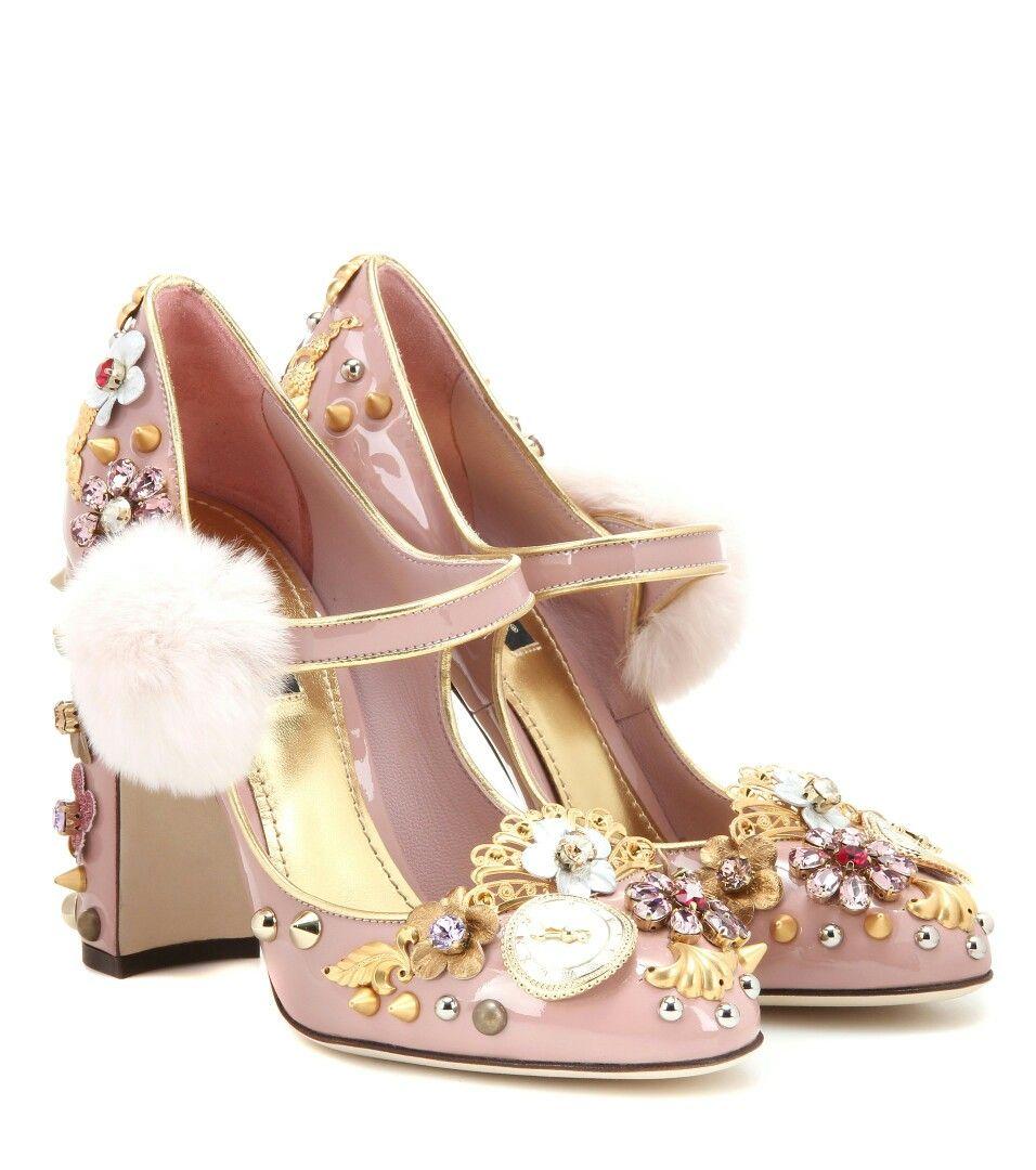 Embellished shoes, Heels