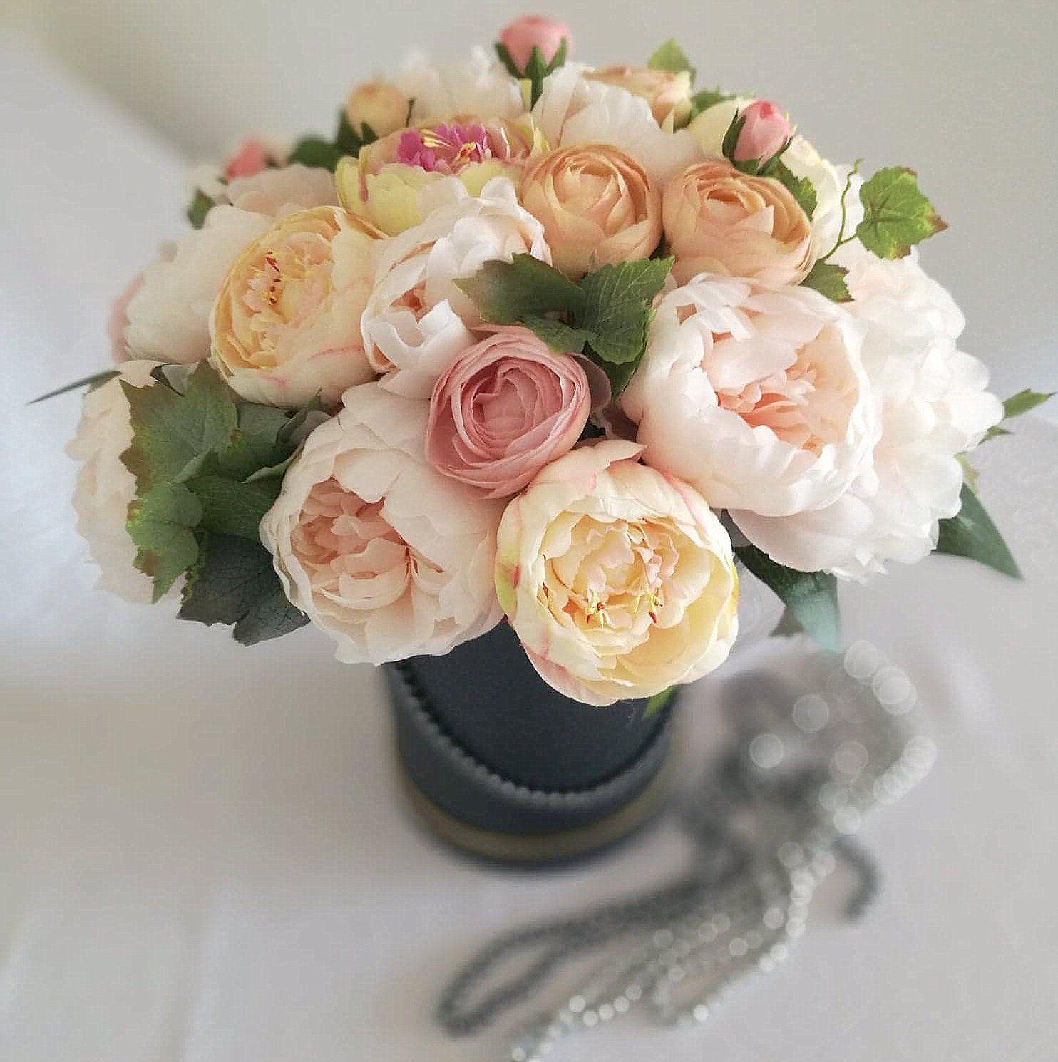 Flower Box Romantyczne Piwonie Swiateczne Atelier Flower Boxes Flowers Desserts
