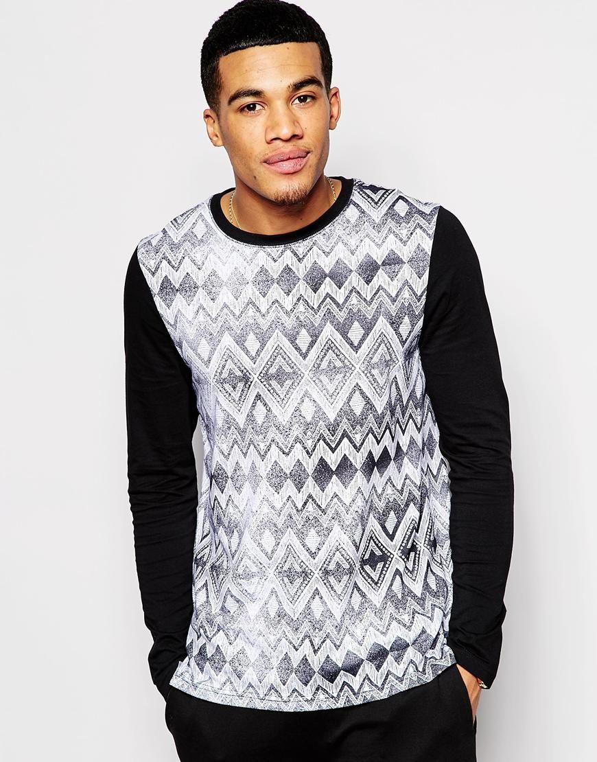 Imagen 1 de Camiseta larga de manga larga con estampado azteca y bajo caído  de ASOS