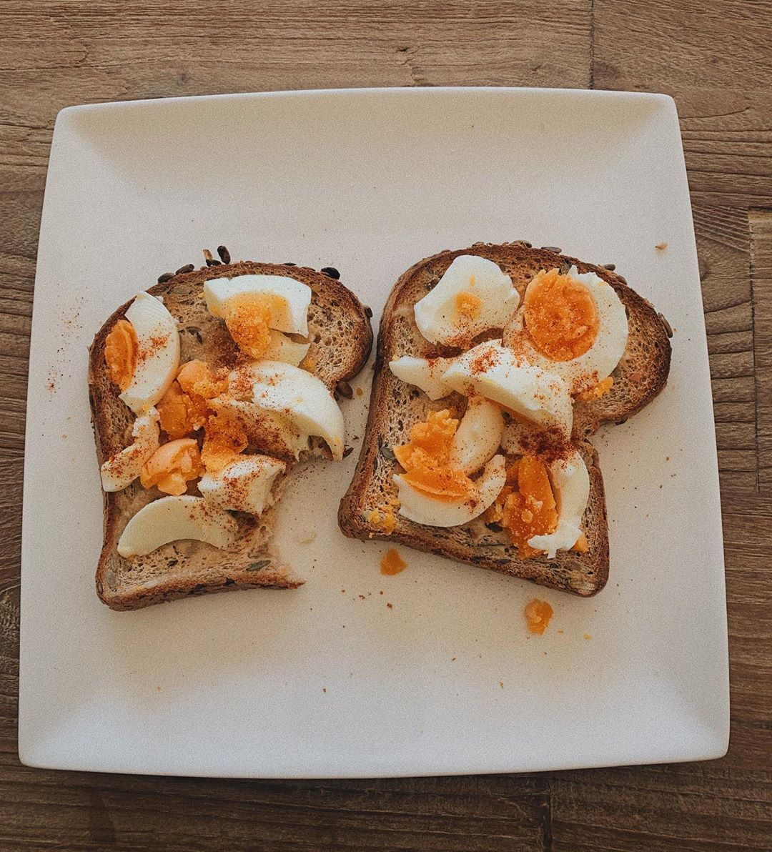not plant based, but because I wasn't getting in enough protein I had some eggs on toast this noon....