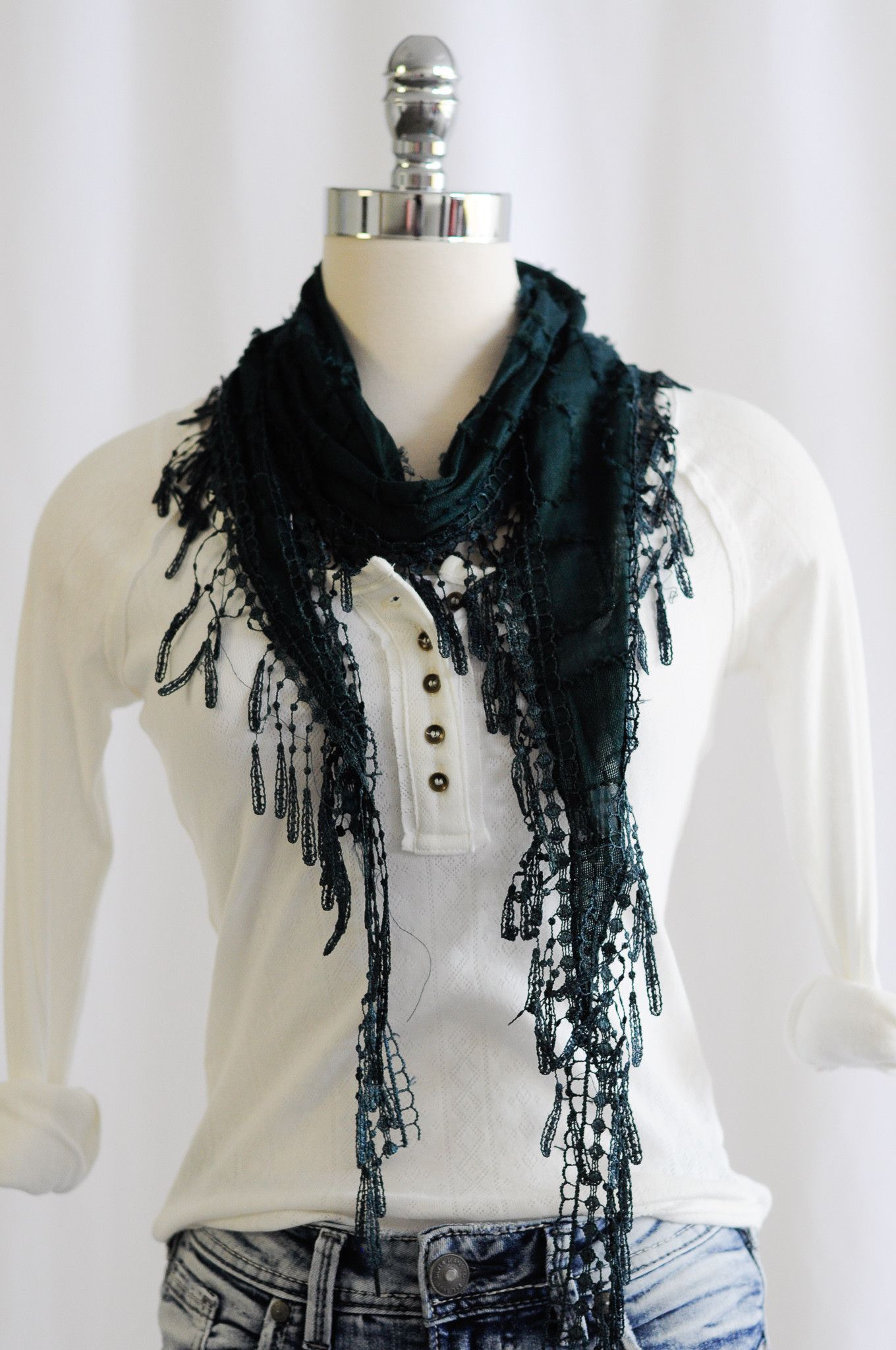 Thin Scarf With Oblong Fringe