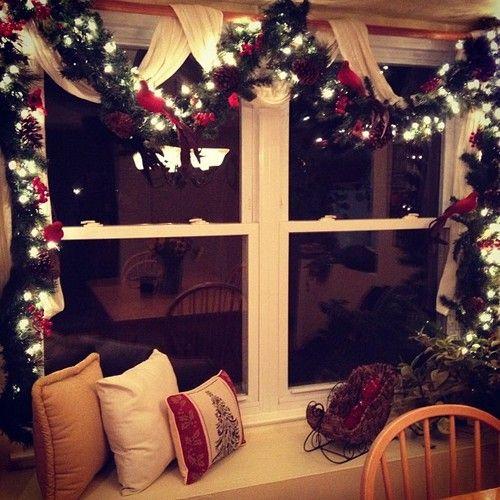 Cada Cantinho Da Casa Pode Ser Decorado Para O Natal Basta Usar A Criativi Christmas Window Decorations Christmas Decorations Decorating With Christmas Lights